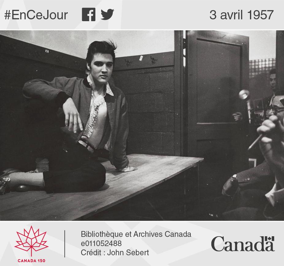 Photo d'Elvis répondant aux questions des journalistes après un concert donné au Maple Leaf Gardens de Toronto, 2 avril 1957.