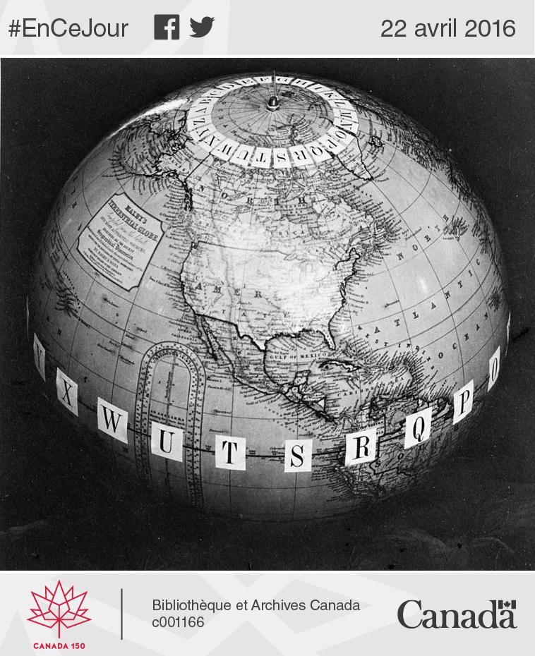 Globe terrestre avec des lettres de l'alphabet sur le méridien. Sandford Fleming l'a utilisé pour illustrer le principe d'heure normale.