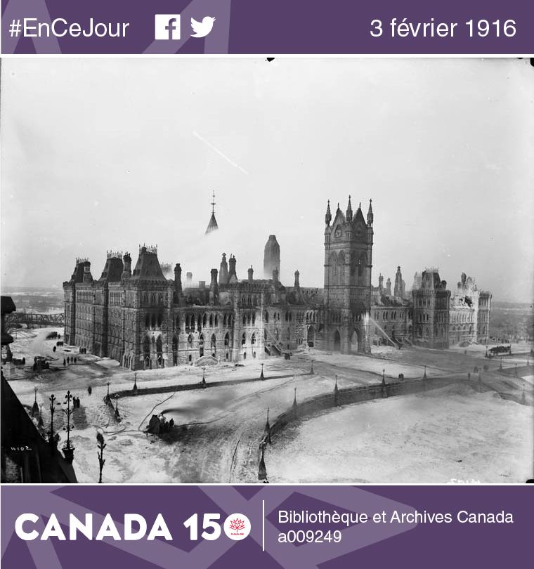 Photo du Parlement après l'incendie, le 4 février 1916.