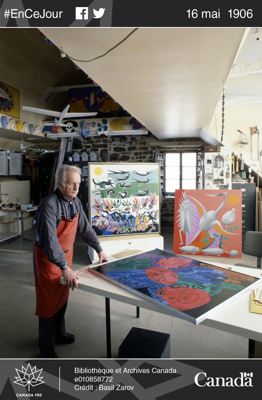 Alfred Pellan dans son atelier, 1976.