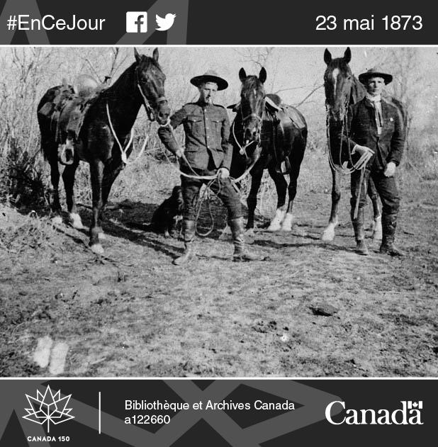 Photo d'un agent de la Police à cheval du Nord-Ouest, vers 1890-1905.