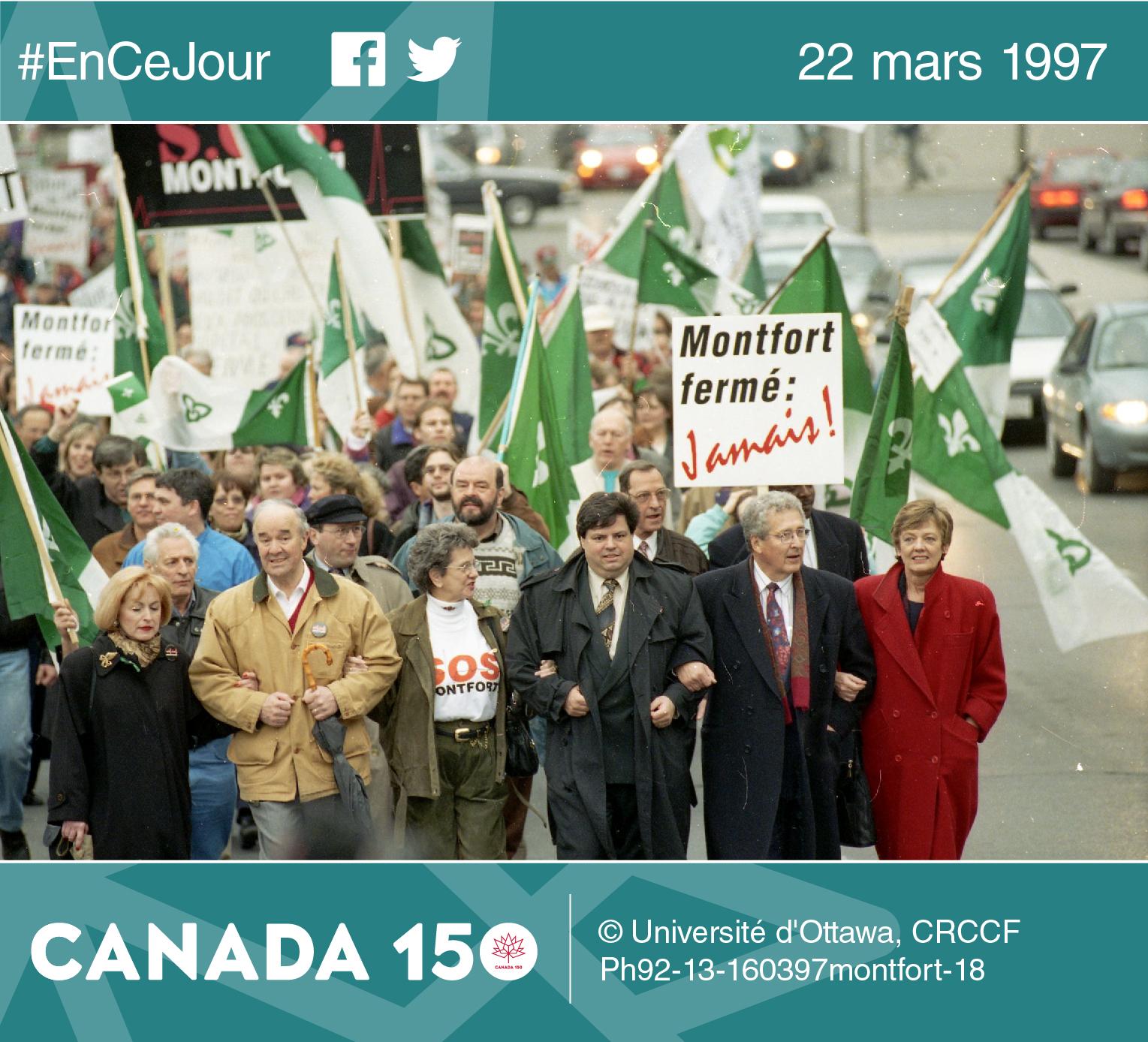 Photo de la manifestation pour SOS Montfort dans les rues d'Ottawa en mars 1997.